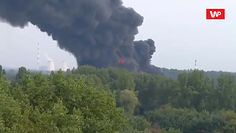 Sosnowiec. Potężny pożar na wysypisku śmieci. Nad miastem gęste kłęby dymu