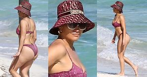 Jennifer Lopez W BIKINI obnaża efekty spożywania 1400 kalorii dziennie (ZDJĘCIA)