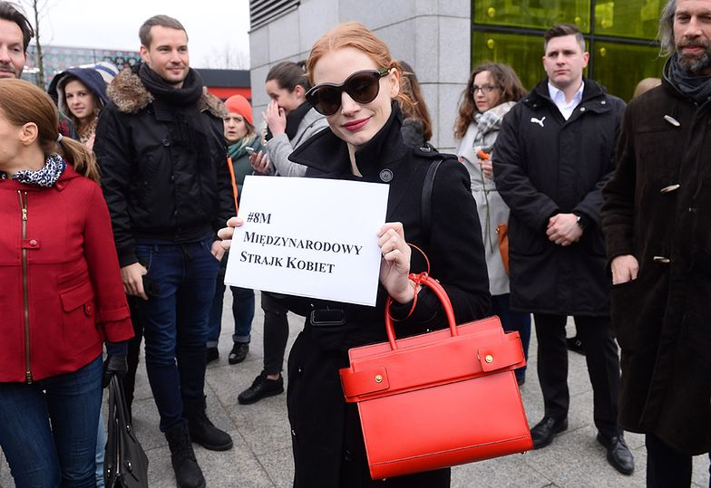 Jessica Chastain na Międzynarodowym Strajku Kobiet