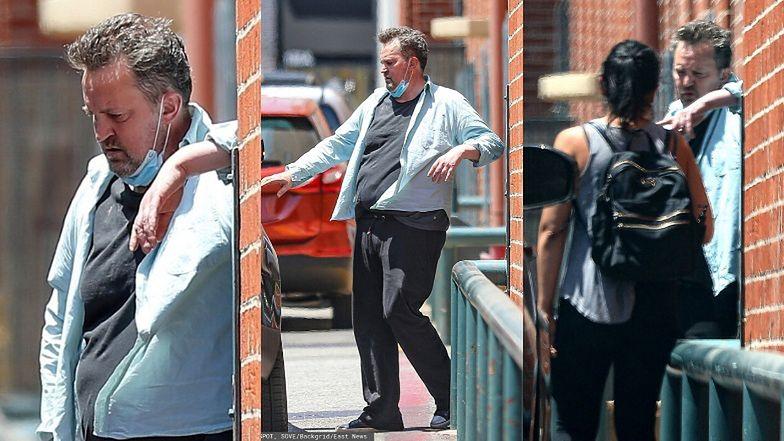 Zmarnowany Matthew Perry ze strapioną miną i maseczką na szyi wyłania się z budynku w Beverly Hills (ZDJĘCIA)