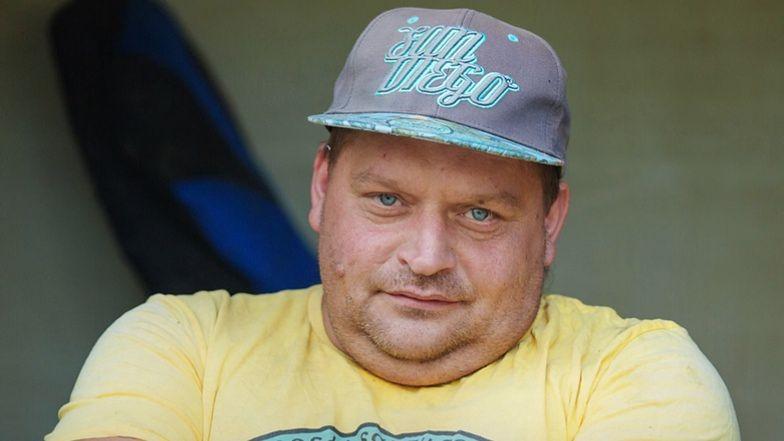 """Ekipa """"Złomowisko PL"""" w szczególny sposób pożegna Marka """"Krzykacza"""" Pawłowskiego. """"Niech to będzie trybut dla """"Króla Złomu"""""""""""