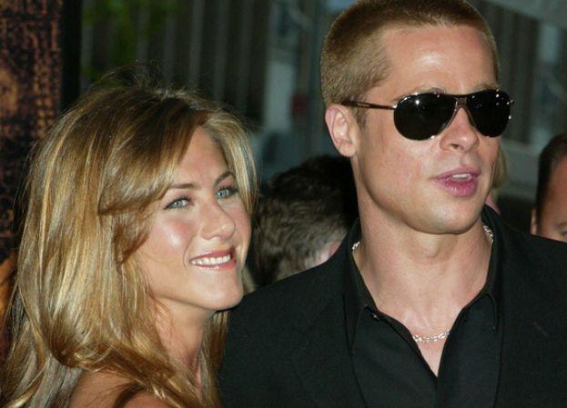 """Pitt i Aniston pogodzili się po śmierci mamy Jennifer? """"Przeprosił ją za to, jak zakończył ich małżeństwo"""""""