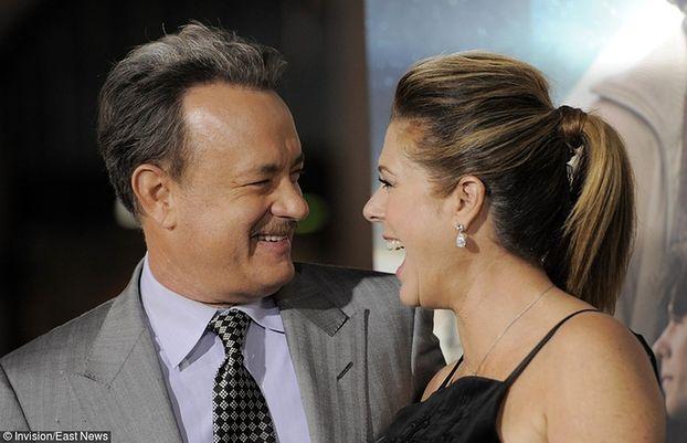 """Tom Hanks o żonie chorej na raka: """"Trzeba rzucić wszystko i zacząć walczyć. Podziwiam ją!"""""""
