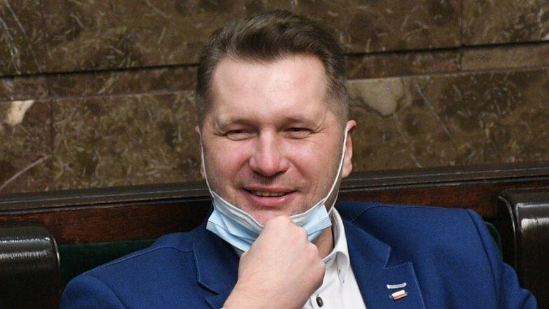 Przemysław Czarnek chce ODCHUDZAĆ dzieci po powrocie do ...