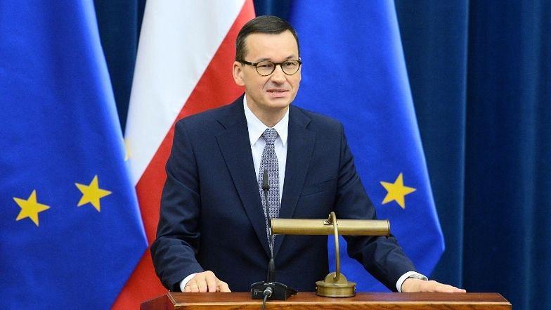 """Mateusz Morawiecki apeluje: """"Protestujmy W INTERNECIE"""". Zagroził narodową kwarantanną"""