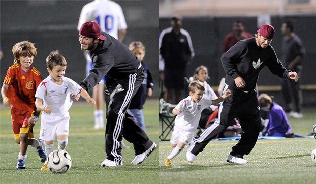 Beckham gra z synami w piłkę