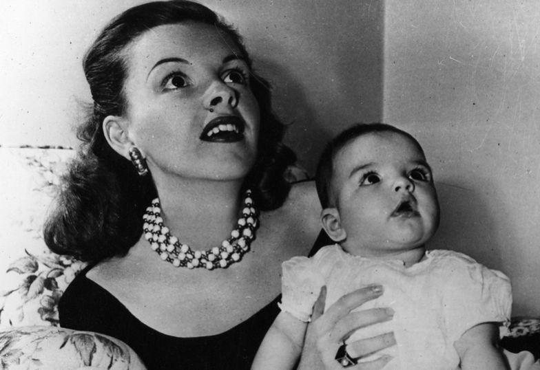 Judy Garland z Lizą Minnelli (1946)