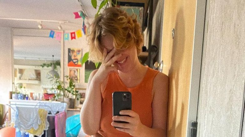 """Aleksandra Domańska ubolewa, że nie mieści się w jeansy sprzed ciąży: """"Tytuł PIERWSZEJ NAIWNIACZKI jest ze mną od lat"""" (FOTO)"""