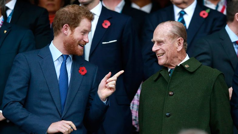 """Książę Harry wspomina księcia Filipa: """"Był mistrzem grillowania, legendą przekomarzania się. Bezczelny do końca"""""""