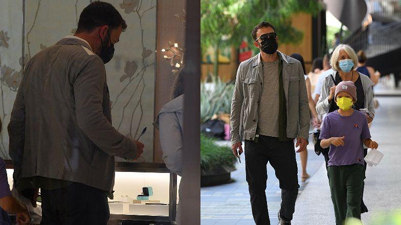 Ben Affleck PLANUJE KOLEJNE ZARĘCZYNY?! Paparazzi przyłapali go u jubilera... (ZDJĘCIA)