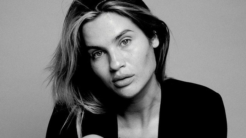 """Naturalna Karolina Gilon pozuje w sesji bez makijażu: """"OBAWIAŁAM SIĘ TYCH ZDJĘĆ"""" (FOTO)"""