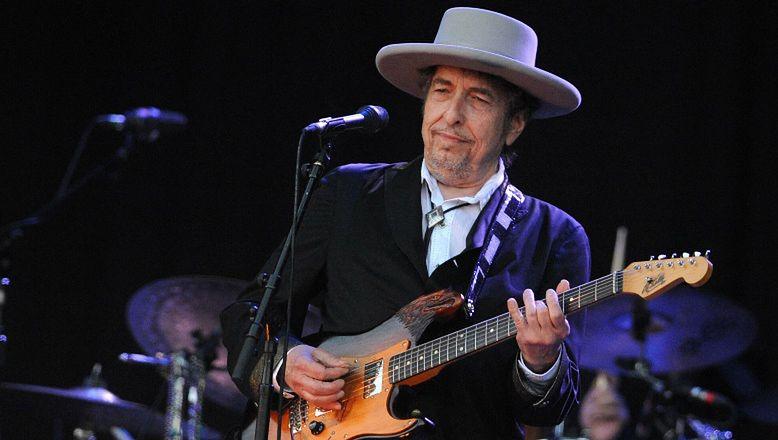Bob Dylan został oskarżony o PRZEMOC SEKSUALNĄ wobec 12-letniej dziewczynki!