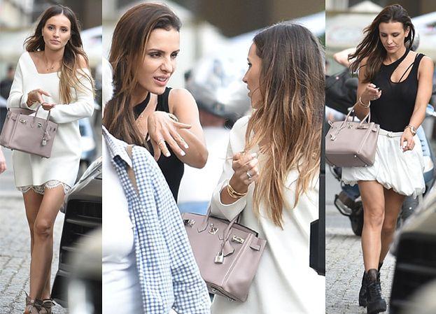 Marina i Sara Boruc na spacerze z ulubionymi torebkami (ZDJĘCIA)
