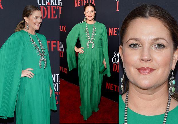 Dojrzała Drew Barrymore promuje serial w zielonej kreacji