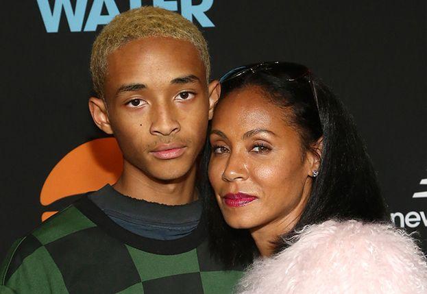 """Jada Pinkett Smith opowiada, jak odkryła, że jej syn stracił dziewictwo: """"Poznałam to po jego sposobie chodzenia"""""""