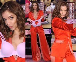 """""""Aniołek"""" Victoria's Secret próbuje kreatywnie pozować ze stanikiem..."""
