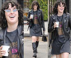 Roześmiana córka Demi Moore spaceruje w rockowej stylizacji