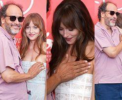 Wenecja 2018: Włoski reżyser próbował zasłonić pierś Dakoty Johnson na czerwonym dywanie (FOTO)