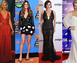 Seksowne sukienki z głębokim dekoltem w stylizacjach gwiazd