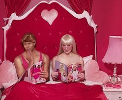 Ken JEST GEJEM! Barbie pijana...