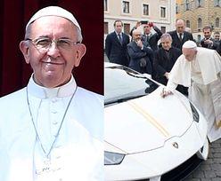Papież Franciszek dostał lamborghini i... oddał je na cele charytatywne!