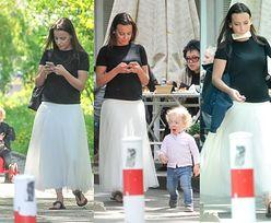 Anna Mucha z telefonem w zębach... (ZDJĘCIA)