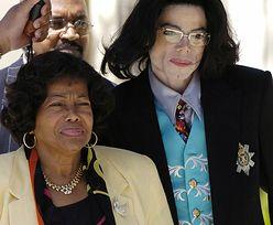 Matka Jacksona chce więcej pieniędzy!