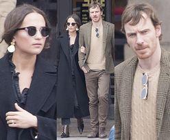Alicia Vikander i Michael Fassbender na romantycznym spacerze po Paryżu