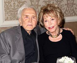 """Żona 100-letniego Kirka Douglasa: """"Miał więcej kochanek niż ja kochanków. Wiedziałam, że kocha tylko mnie"""""""