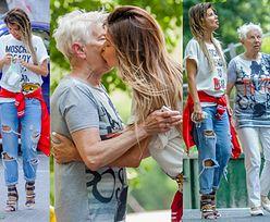 Edyta Górniak z mamą na spacerze! (ZDJĘCIA)