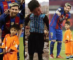 """Chłopiec od """"koszulki"""" z reklamówki wziął udział w meczu Barcelony! (ZDJĘCIA)"""