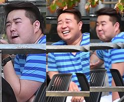 Pyzaty Bilguun Ariunbaatar stroi miny na spotkaniu z koleżanką