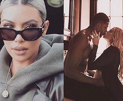 """Kim Kardashian ostro o zdradzającym Khloe Tristanie: """"To POPIE*DOLONE. True może to potem zobaczyć"""""""