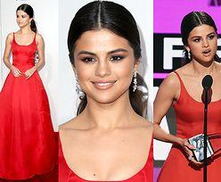 Selena Gomez w czerwonej sukni na American Music Awards (ZDJĘCIA)