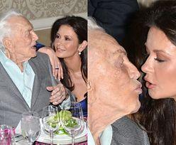 100-letni (!) Kirk Douglas całuje w usta swoją synową (ZDJĘCIA)