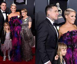 Pink z rodziną na ceremonii rozdania nagród Grammy (ZDJĘCIA)