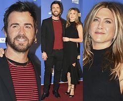 Jennifer Aniston z mężem na ściance w Paryżu