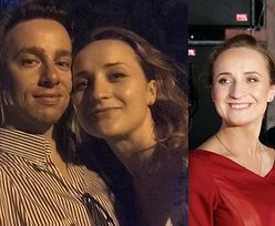 """Krzysztof Bosak świętuje rocznicę zaręczyn wspólnym selfie z Kariną: """"Pierścionek kupowałem DZIEŃ PRZED wylotem na Gran Canarię"""" (FOTO)"""
