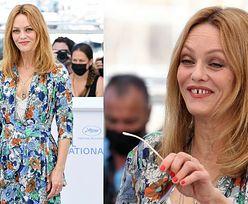 48-letnia Vanessa Paradis w kwiecistej kreacji promuje w Cannes film wyreżyserowany przez męża (ZDJĘCIA)