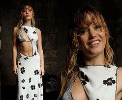 Zadziorna córka Micka Jaggera prezentuje słynną diastemę w sesji dla marki Missoni (ZDJĘCIA)