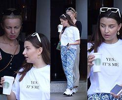 Julia Wieniawa w stylizacji za 2 tysiące złotych zabrała mamę na kawę do sieciówki (ZDJĘCIA)