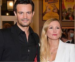 Mikołaj Krawczyk i Sylwia Juszczak celebrują randkę w teatrze (ZDJĘCIA)