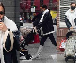 Irina Shayk w białych kozaczkach spaceruje z córką po Nowym Jorku (ZDJĘCIA)