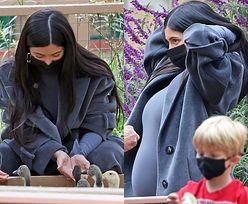 Ciężarna Kylie Jenner szykuje się na Halloween, kupując z córeczką dynie (ZDJĘCIA)