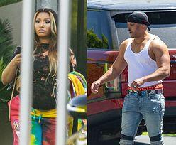 Wymalowana Nicki Minaj prezentuje ciążowe krągłości w niezobowiązującej stylizacji (ZDJĘCIA)