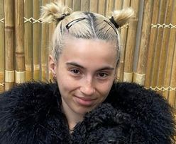 """Córka Kasi Kowalskiej pręży się w bikini przed lustrem. Fanka ocenia: """"Miley Cyrus"""" (ZDJĘCIA)"""