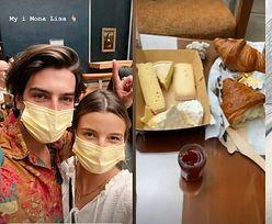 """Julia Wieniawa i Nikodem Rozbicki zwiedzają Paryż: croissanty na balkonie, zwiedzanie Luwru i sesja z """"Mona Lisą"""" (ZDJĘCIA)"""