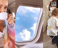 Wyluzowana Marina z gracją POPIJA KAWKĘ na pokładzie prywatnego samolotu (FOTO)