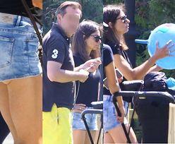 Szczupła Marta Kaczyńska w kusych szortach prezentuje opalone nogi podczas rodzinnego spaceru (ZDJĘCIA)