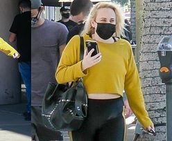 Przebrana za osę (?) Rebel Wilson przemierza Beverly Hills, świecąc odchudzonym brzuszkiem (ZDJĘCIA)